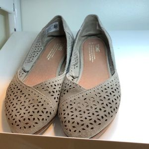 Tom's Jutti suede flats 8.5 taupe